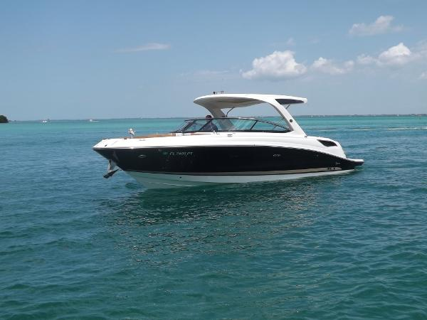 Sea Ray 350 SELECT