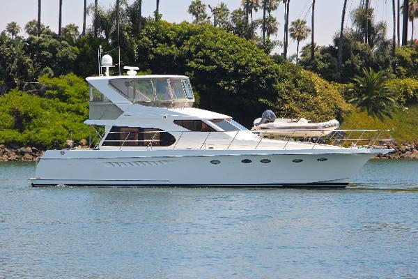 Ocean Alexander 520 Starboard Profile
