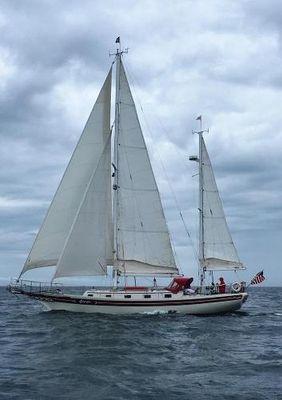 Bayfield 40 Ketch Profile port sailing