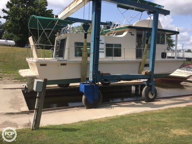 Holiday Mansion Barracuda Aft Cabin 37 1981 Holiday Mansion 37 for sale in Grand Haven, MI
