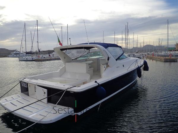 Riviera 4000 Offshore DSC03817