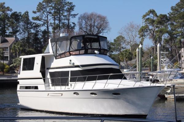 Hyatt 40 Motor Yacht