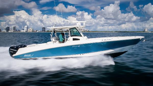 Boston Whaler 370 Outrage Starboard Profile Running
