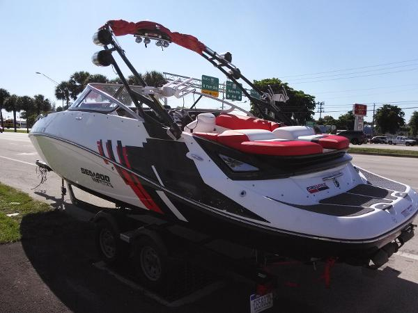 Sea-Doo 230 Wake