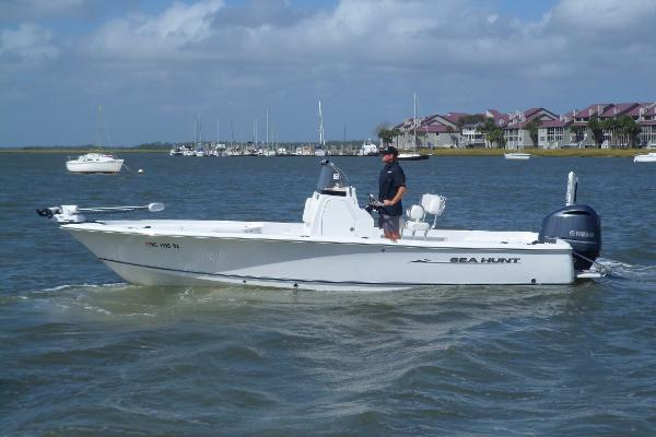 Sea Hunt BX 24 BR PORT UNDERWAY