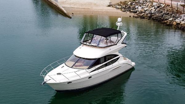 Meridian 391 Sedan