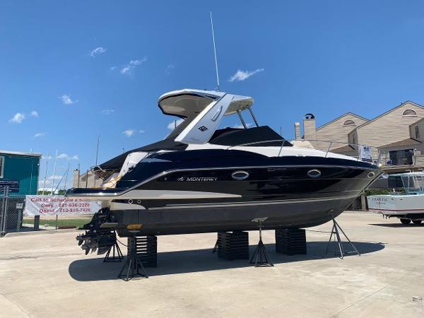 Monterey 32 Sport Yacht