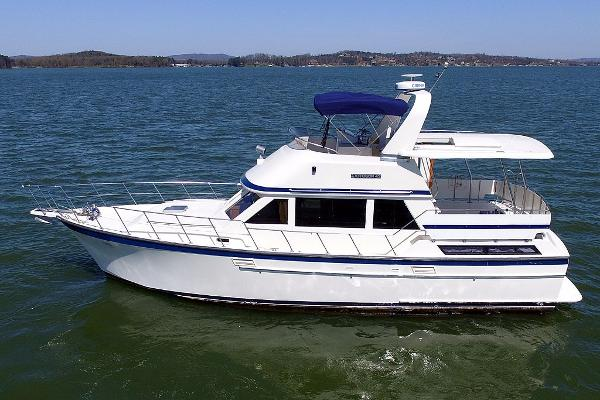 Jefferson 42 Sundeck Motor Yacht Port Profile
