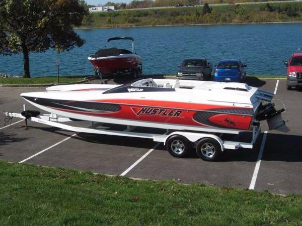 Hustler bass boats all