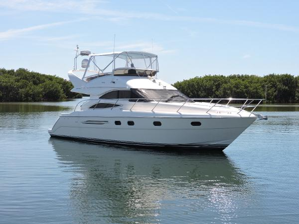 Viking/Princess Sport Cruisers  45 Flybridge Profile