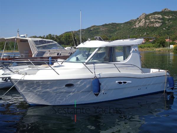 Sessa Marine Dorado 28 DSC04229
