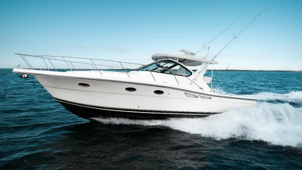 Tiara 3600 Open Port Profile