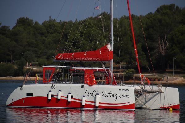 Custom Halifax 37