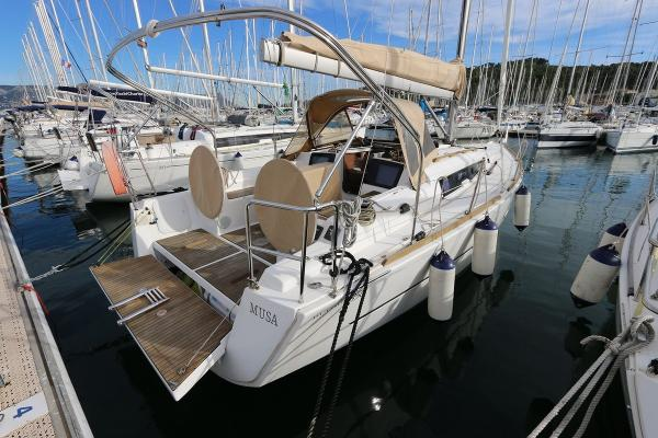 Dufour 350 Grand Large Dufour 350 Grand Large