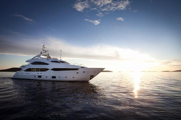 Sunseeker 40M Yacht Side View