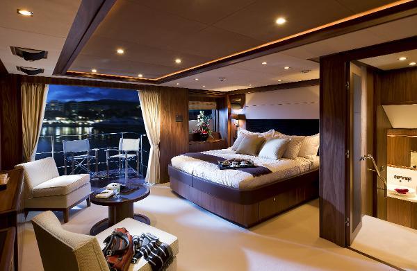 Sunseeker 40M Yacht Cabin