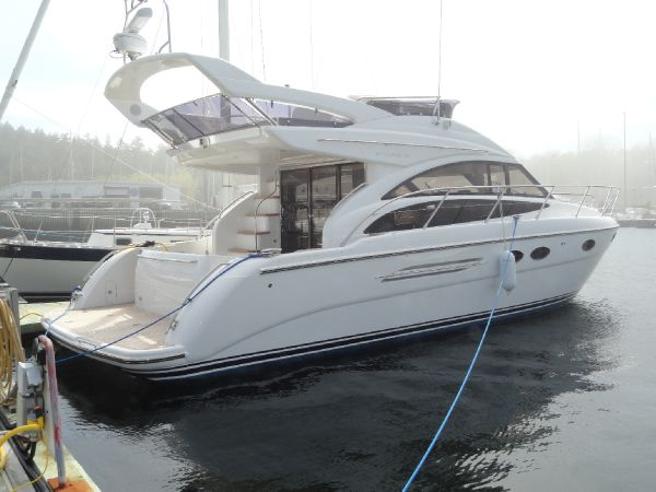Princess 42 Flybridge Profile