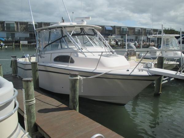 Grady-White 300 Marlin Starboard Bow