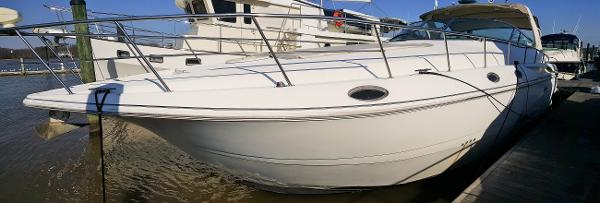 Cruisers Yachts 4270 Express 2002 CRUISERS 4270 DOCKSIDE LOOKING AFT