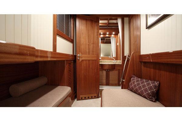 Conrad Classic 58 Cabin