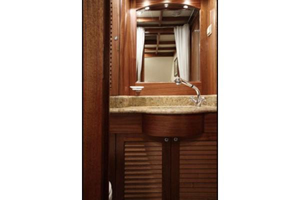 Conrad Classic 58 Bathroom