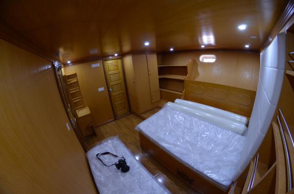 Custom 110 VIP Stateroom