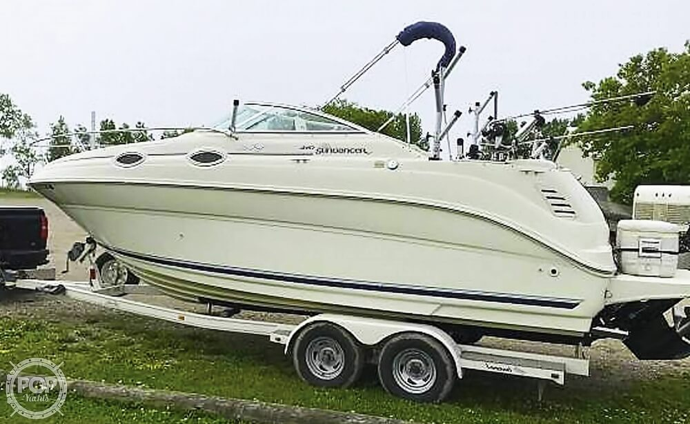 Sea Ray 240 Sundancer 2000 Sea Ray 240 Sundancer for sale in Potter, WI