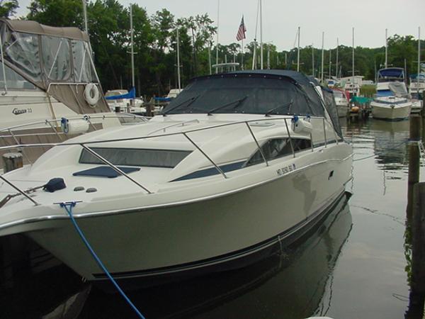 bayliner boat at slip 7-12