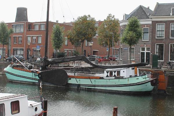 Custom Dutch sailing barge