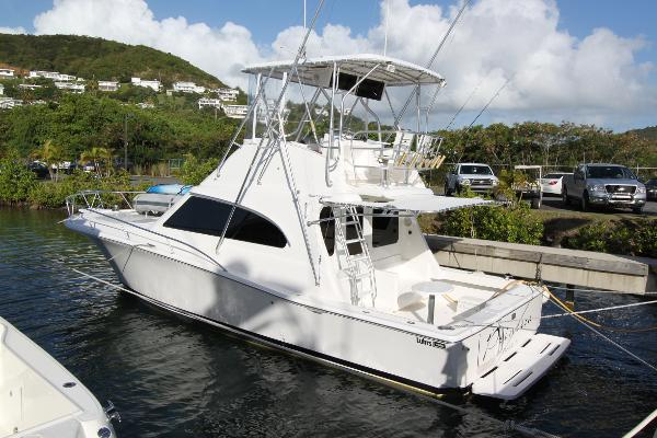 Luhrs 38 Convertible