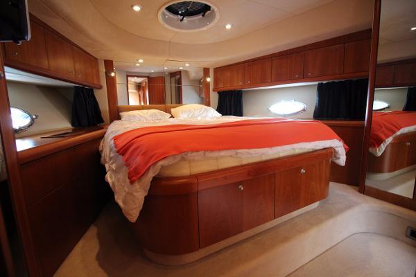 Sunseeker Manhattan 60 Forward VIP Double Guest Cabin