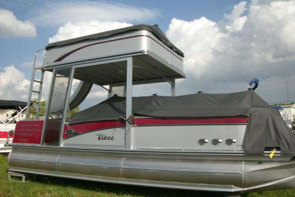 Tahoe Pontoon Vista Elite Funship