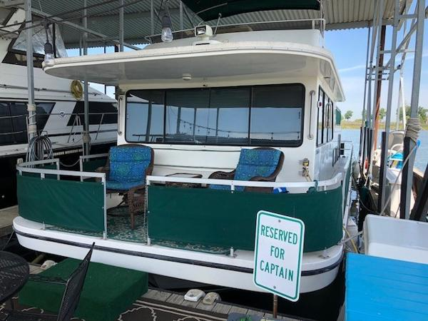 Gibson 44 Custom Houseboat