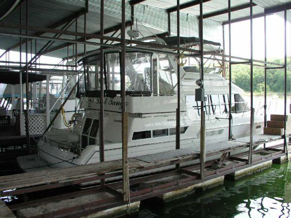 Carver 430 Cockpit Motor Yacht Starbord Profile