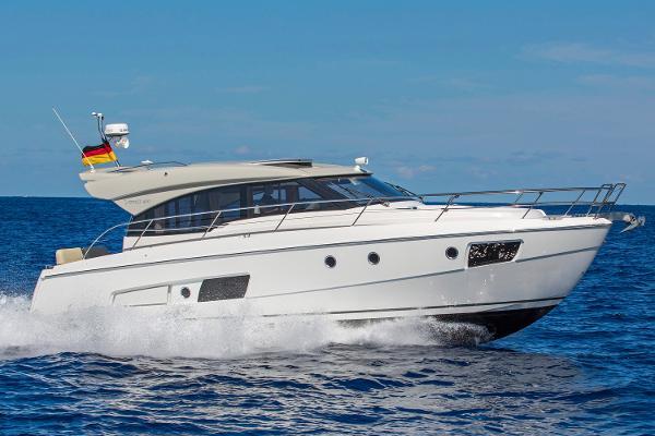 Bavaria Yachts USA Virtess 420 Coupe