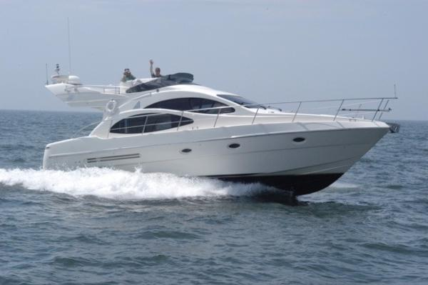 Azimut 42 - Fresh Water
