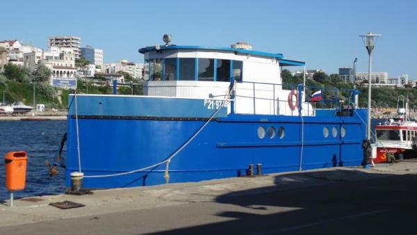 Custom Houseboat - Coaster 48 Custom Houseboat 48