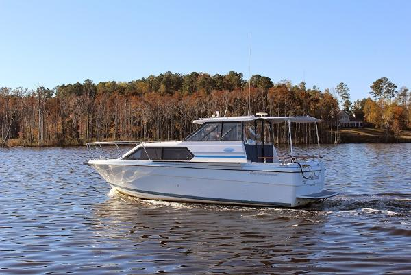 Bayliner 2859 Ciera Classic Cold Duck On The Water
