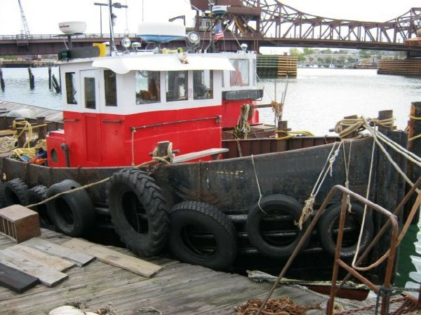 1944 42.5' ST Ex Army Tug Model Bow Tug