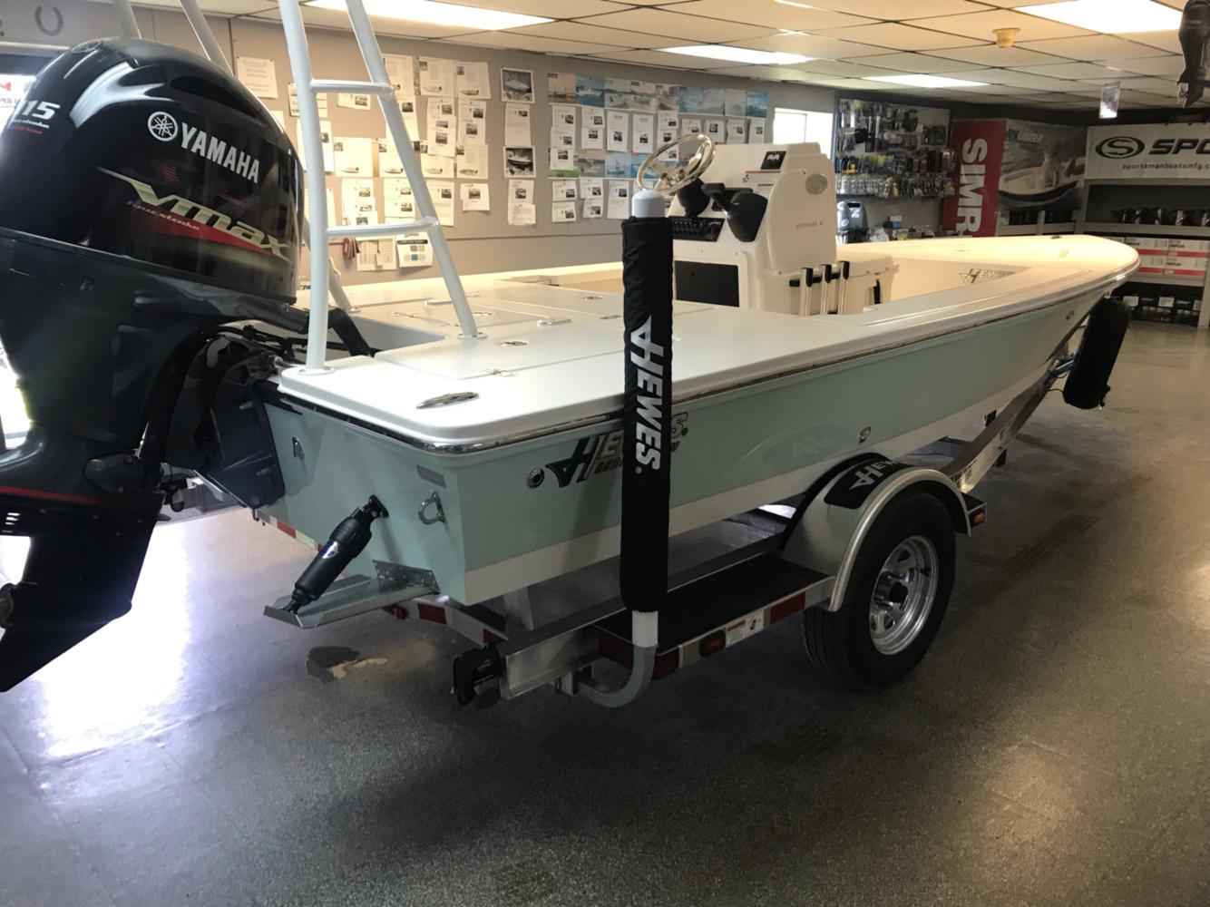 Hewes Redfisher 18