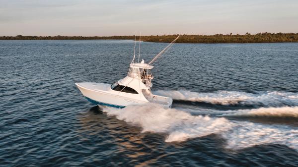 Viking 38 Billfish (38-211) Port Profile