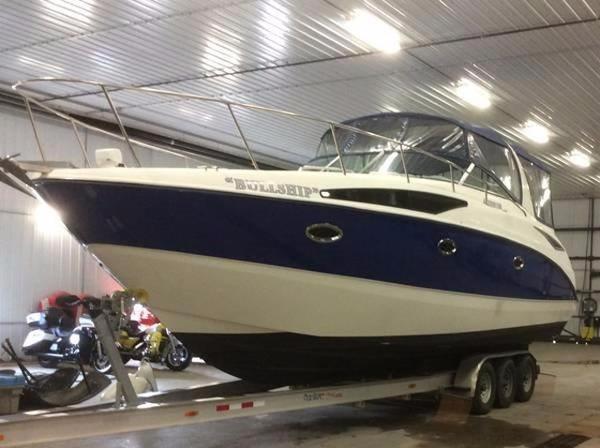 Bayliner 325 Profile