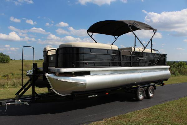 Sweetwater 2486 Wetbar - 150hp - Tritoon