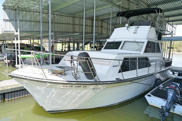 Marinette Marinette Flybridge - 32