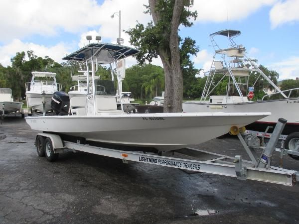 Lightning Power Boats 25 Bay Master