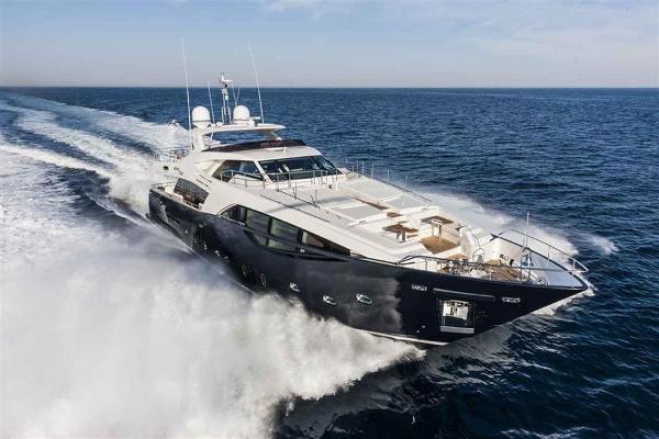 Ferretti Yachts Custom Line 100 Ferretti Yachts Custom Line 100