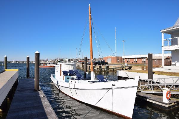 Chesapeake Buy Boat Built By LR Smith