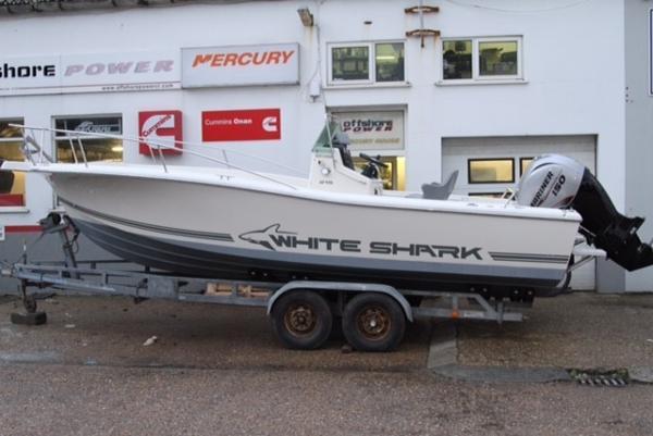 White Shark 215 White Shark 215