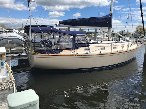 Island Packet 40 At the Dock in Mystic May 2019