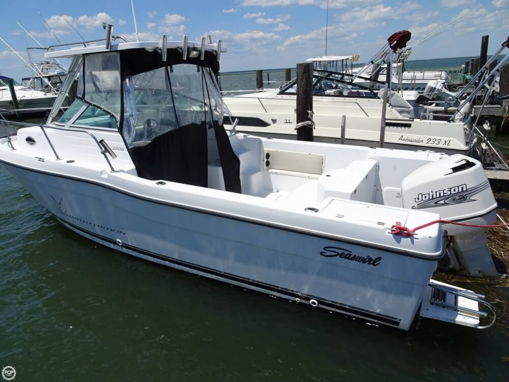 Seaswirl Striper 2600 Limited Edition Walkaround 2001 Seaswirl Striper 2600 Limited Edition Walkaround for sale in Brigantine, NJ